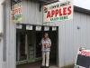 waar Corry voor een prikkie een zak appels kan kopen.