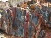 aan de rots-kleuren zie je nog dat hier koper gevonden werd!