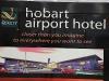 in het vliegveldhotel van Hobart.