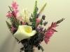 en al die bloemen zet Corry later naast onze televisie.
