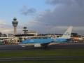 om even later - na vier volle weken - weer veilig te landen op Schiphol!