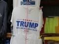 en er zijn natuurlijk wervende T-shirts te koop...