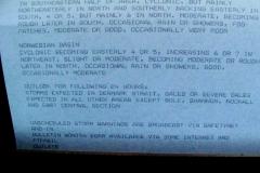 22 en als ik de brug bezoek, lees ik op de 'weer-rol' een heftige stormverwachting!