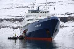 31 Daarmee is het nu ook echt tijd geworden voor een proefvaart met de sterke rubber boten, de Zodiacs,