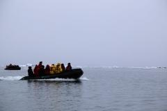 32 want we zijn nu in een rustige Groenlandse baai aangekomen,