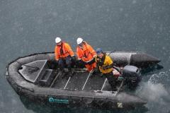 45 en je ziet het, het sneeuwt, maar als dat overbrengen gelukt is, zorgt dat toch weer voor een 'happy crew'!