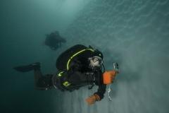 49 Kijk, deze foto kreeg ik na de duik van een van de duikers.