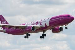 1 Voor deze reis vlieg ik eerst met prijsvechter WOW-air van Amsterdam naar Reykjavik, IJsland,