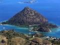 188 Dan vliegen we precies over de baai van Labuan Bajo,
