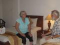 """191 """"Dit is echt wel top, Corry, de 'Standard' kamer die we op de heenweg hadden was €17,50 per nacht, maar deze luxe kamer is toch ook nog maar 25 Euro, mèt ontbijt"""","""