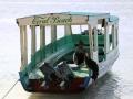 54 Ons reisvervolg? Met een kleine bootje steken we over naar Lombok