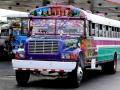 in zo'n ouwe, kleurige bus