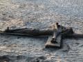 en de volgende morgen maakt een zandkunstenaar dit bijzondere beeld op het strand in Quepos.