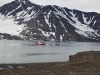 Maar wij stomen eerst Sankt Jonsfjord nog in.