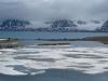 en al gauw komen ook grotere ijsvelden in zicht.