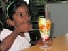 O ja, er is ook nog tijd om net als zij in Rico een heerlijk ijsje op te smikkelen!