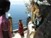 en Swami Rock met de \'Lovers Leap\', waar een Hollands meisje vanwege een ver-broken relatie naar beneden sprong, maar overleefde.