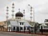 Dan komen we weer terug in de stad waar je blijken van de Surinaamse verdraagzaamheid ziet, de Moskee...