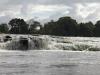 Dat zijn watervallen en stroomversnellingen bij Djoemoe.
