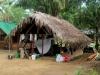 Het Pingpe Resort ligt op een eilandje tegenover het dorp Pingpe dat ook wel \'Pempe\' genoemd wordt;