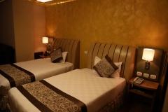 In het Monarch Hotel is het daarna goed bijkomen van die twee vluchten