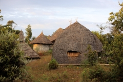Maar we gaan nu eerst hier slapen, in een van de gasten-hutten van de Dorze Lodge,