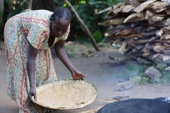 zodat  zo'n pannenkoek na het bakken opgerold en  gegeten kan worden als daaglijks brood.