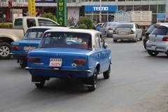 en rijden we uiteindelijk de drukte van Addis Abeba weer in