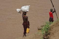 want dit stromende water is natuurlijk een levensbron voor velen in dat hete zuiden.