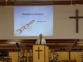 101 een prachtige preek beluisteren mèt - tot onze verrassing - een moderne Powerpoint-presentatie: