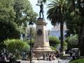 150 en komen 's morgens vroeg aan in Sucre, de hoofdstad van Bolivia,