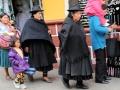 182 In Potosí is het een drukte van belang. Zijn dit trouwens weduwen? Ik weet het niet...