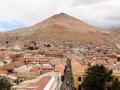 188 en heb dan dit uitzicht over de stad Potosí en de grote zilverbergen.