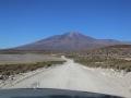 222 Als de tocht de volgende dag verder gaat, is dat door de zeer droge, Boliviaanse Atacama woestijn,