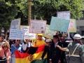 281 Op dat zelfde parkplein beginnen -vrij vrolijke- demonstraties voor Mensenrechten