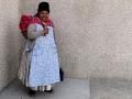 296 en ook voor het laatst die wijdgerokte vrouwen van Bolivia,