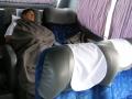 327 en krijgen zelfs een kussen en een deken om echt te kunnen slapen!